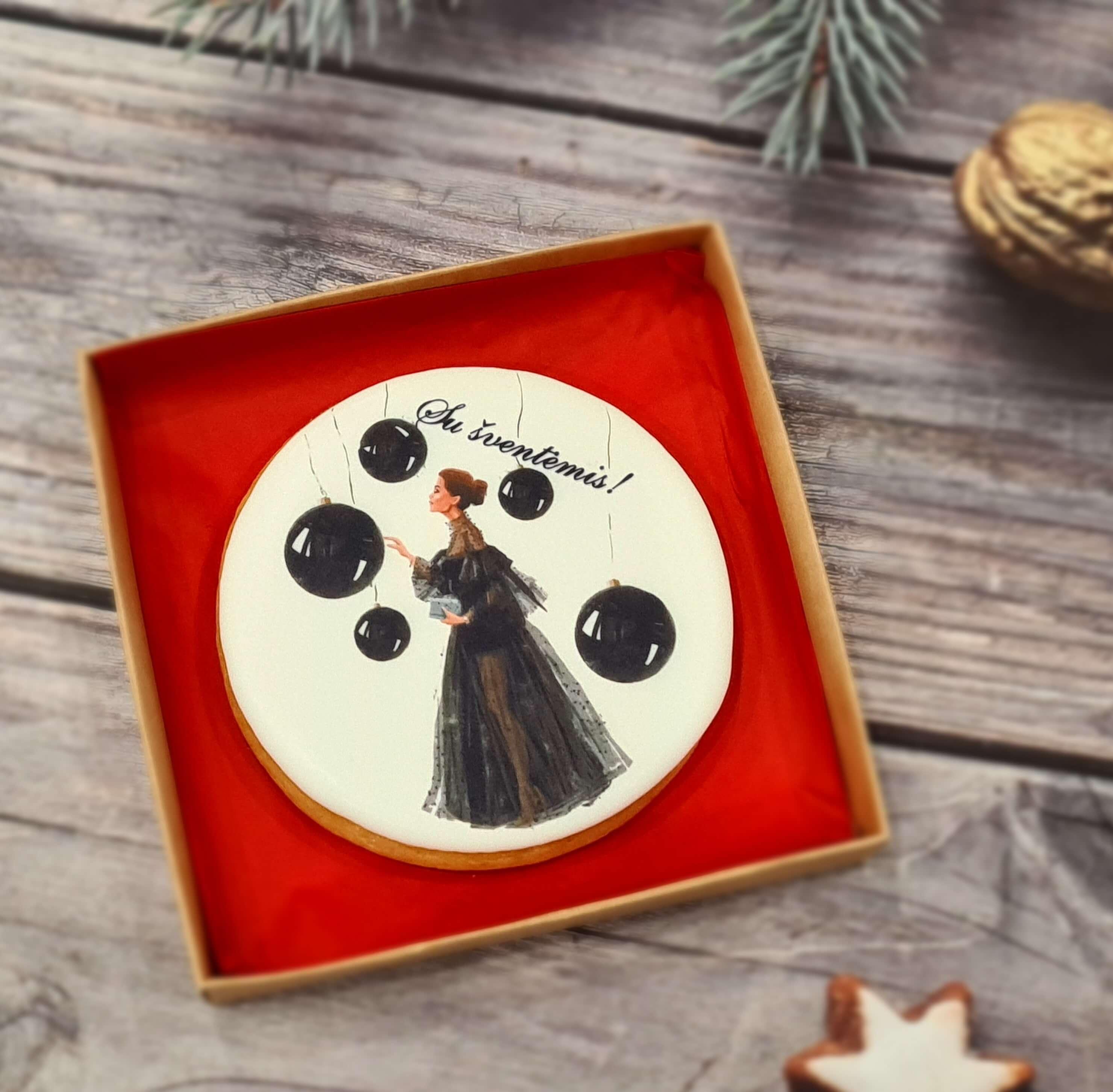 """Dekoruotas imbierinis sausainis """"Kalėdos - Dama su burbulais"""""""