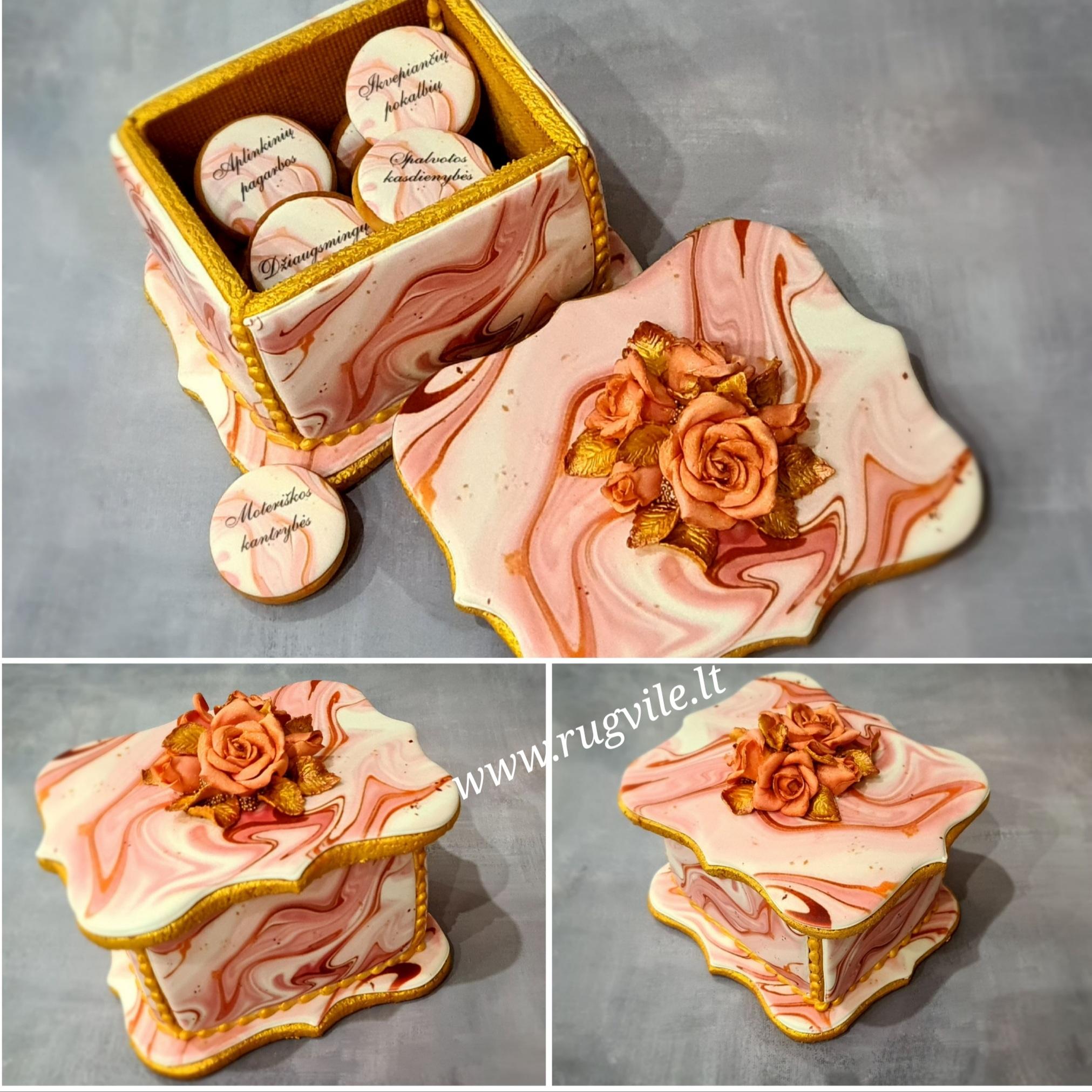 """Dekoruota imbierinių sausainių dėžutė """"Rožės"""""""