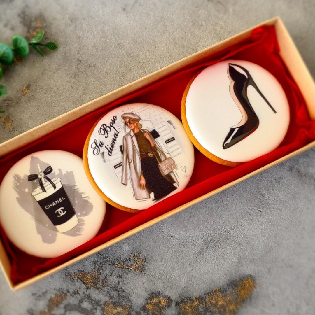 """Dekoruoti imbieriniai sausainiai """"Boso diena"""" 1"""