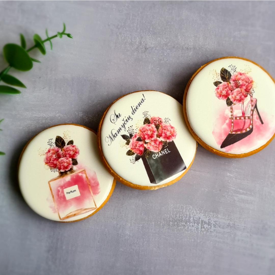 """Dekoruoti imbieriniai sausainiai """"Chanel"""" 2"""